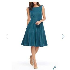 NWT Gal Meets Glam Christine Velvet Dress